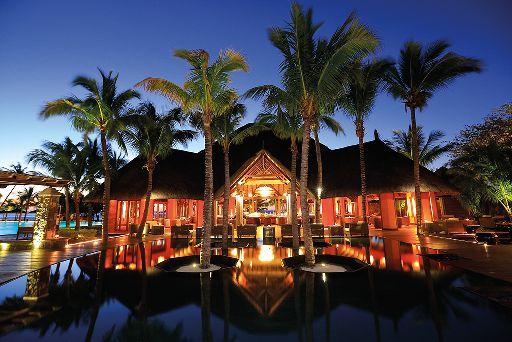 Beachcomber Dinarobin Hotel Mauritius Abend Eingang © Beachcomber