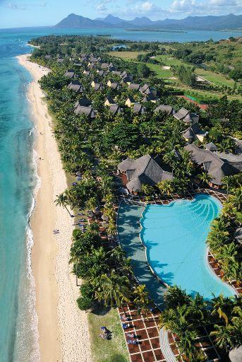 Beachcomber Dinarobin Hotel Mauritius Strand Hotelanlage © Fremdenverkehrsamt Mauritius, MTPA/Bamba Sourang