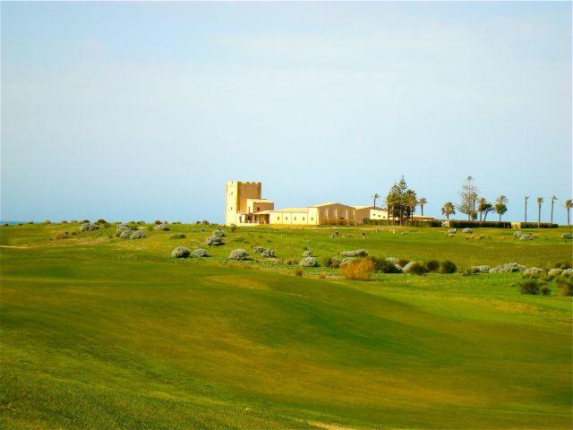 Kulinarik_Kur_Golf_RoccoForte_Verdura_Sizilien_Elsa_Honecker_12_Golfplatz_Clubhaus