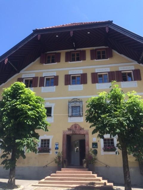 Golf goes Concert Elsa Honecker Romantik Hotel Gmachl Aussenansicht Stammhaus