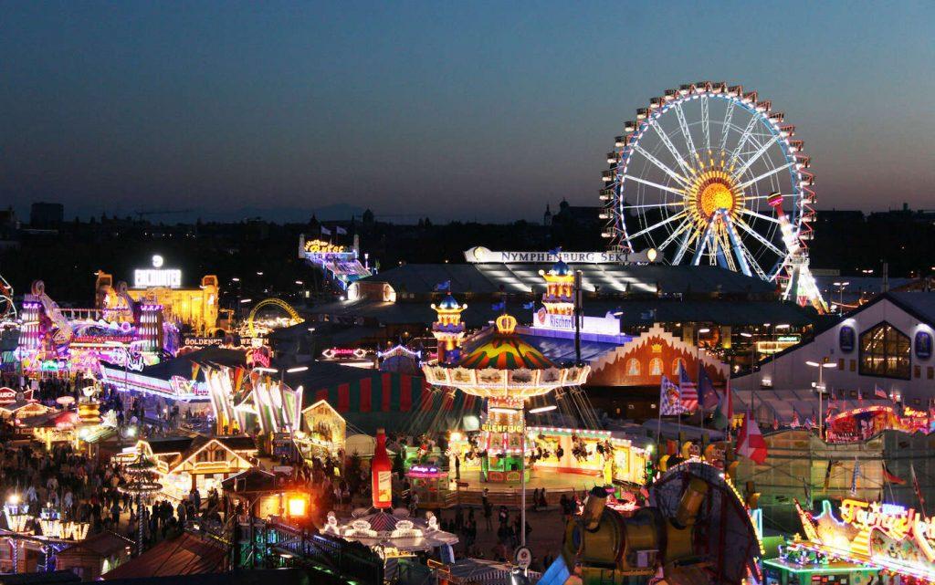 Münchens Top-Hotels mandarin oriental oktoberfest bei nacht foto tommy loesch