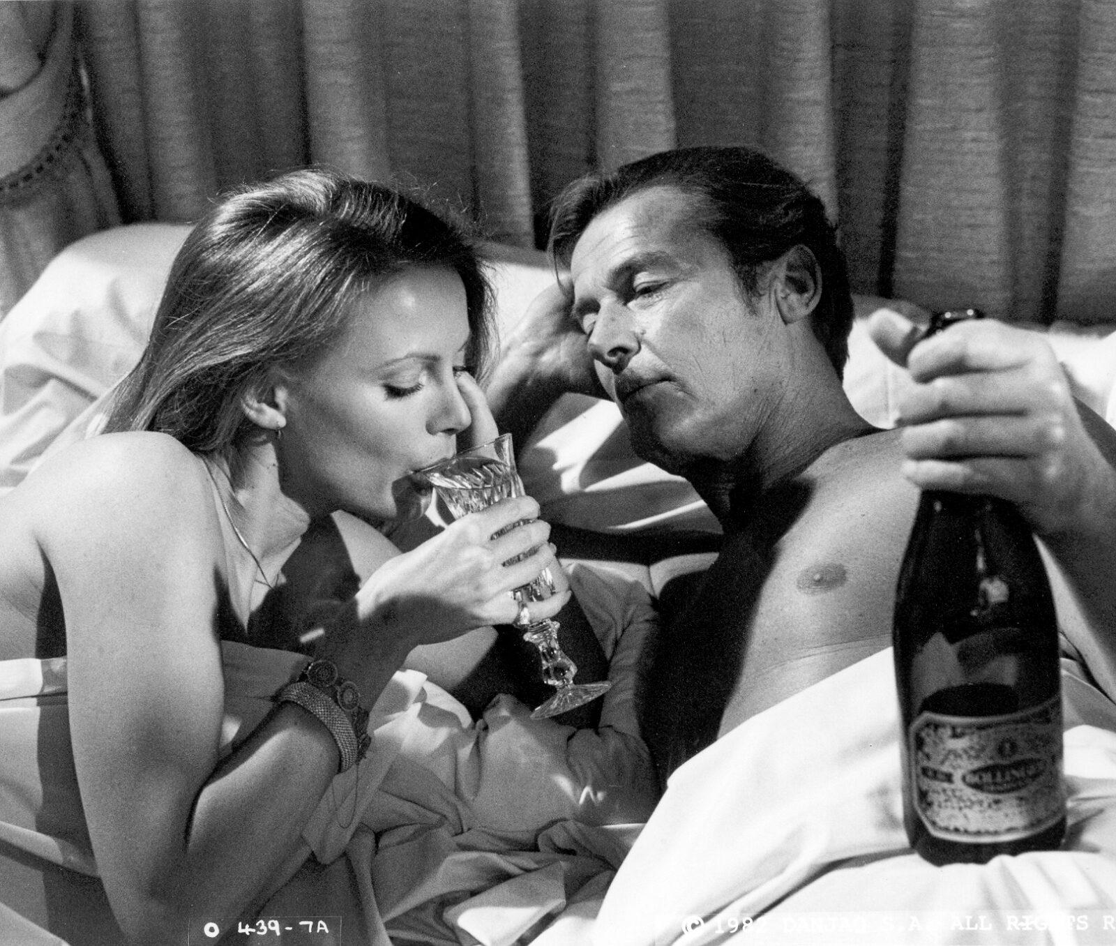 Bollinger james bond bed bottle